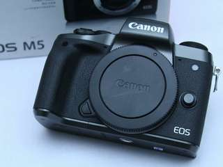 Camera Canon Eos M5