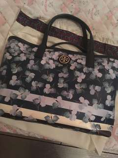 99% new Tory Burch tote bag