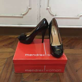 MENDREZ Black High-Heels Peep Toe