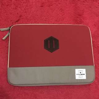 Kalibre laptop case, like new