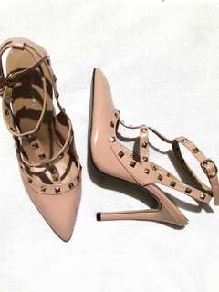 Gumanduo High Heels, size 38. fits 6-8