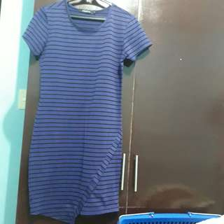 Holded and hung stripe dress