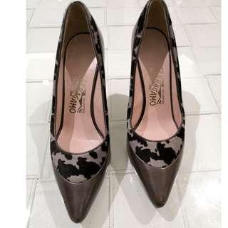 100% Authentic Sz 6B Brand New Ferragamo Heels Pumps