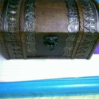 木製 啡銅銀色 小型寶箱 20 cm*10cm *10cm HK 500元