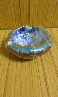 中國工藝精品,(景泰藍),圓週直径約8Cm,擺設煙灰盅