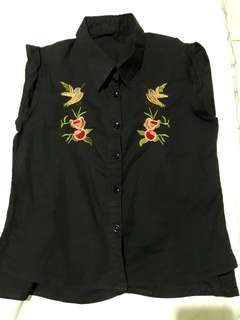 Embroidered button down top, fits s to m!