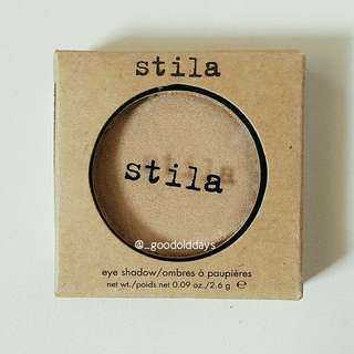 Stila Eyeshadow Pans in Compact - Shade Wheat.