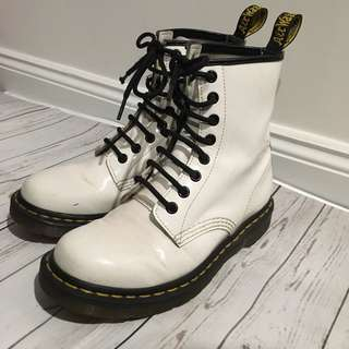 Patent Leather Doc Marten 8 Eye 1460 White US 6 UK 4 Ladies Shoes Unique