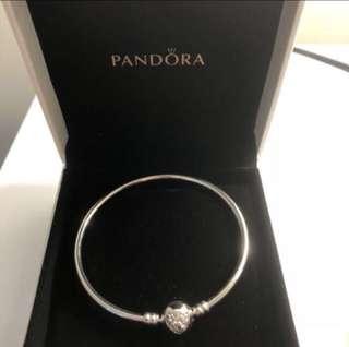 Pandora Bangle BNIB