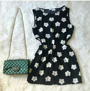 Dress side cut Daisy