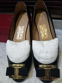 ferregamo flats Authentic