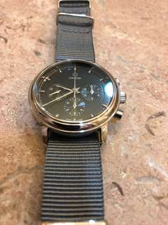 Omega 經典計時錶(37mm)黑面上鍊