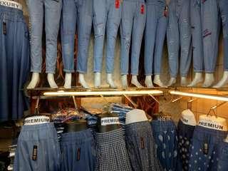 Celana jeans jaman now