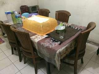 Meja makan + 5 kursi