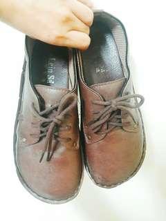 🚚 皮革休閒鞋