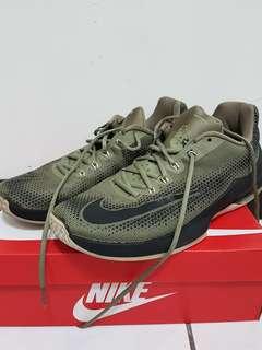 Nike air max 籃球鞋