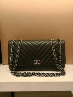 Chanel Bag (99% new)