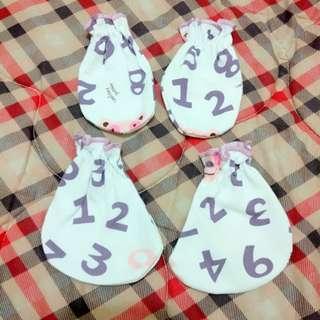 set sarung tangan & kaki baby