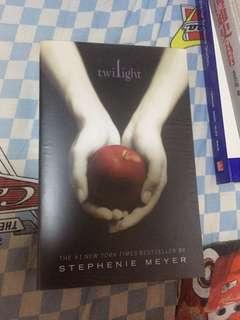80%new Twilight English version 有包書
