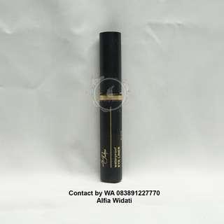 La Tulipe Waterproof eyeliner - Hitam