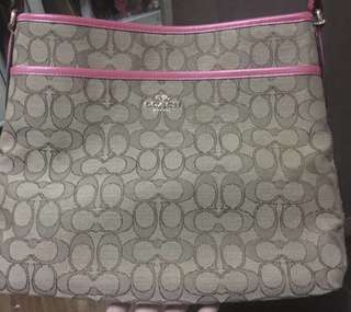 Authentic Coach file bag almost brandnew