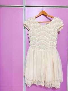 🚚 「正韓」婚禮必備氣質款-立體玫瑰下擺多層澎度蕾絲洋裝