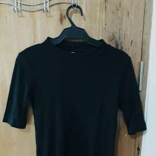 Uniqlo Black Ribbed Top