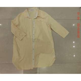 🚚 #女裝半價拉 日本品牌 JE PAPILLONNE 鵝黃色個性長版襯衫 有口袋可當外套