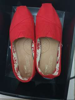 Red Toms size 7 (women)
