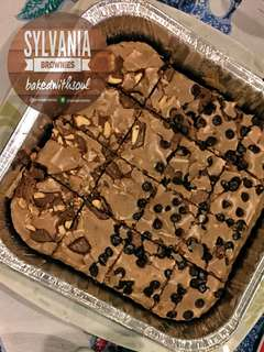 Chocolate Chips & Silverqueen Brownies