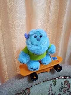 迪士尼卡通玩具360度旋轉毛怪玩偶滑板車(附電池)毛怪滑板玩具兒童玩具