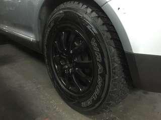 """Porsche Cayenne 17"""" rims Wrangler tires 90%"""