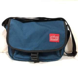 Manhattan Portage Navy Sling Bag