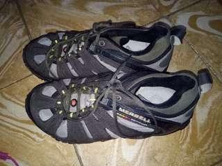 Authentic Merrel Continuum Trekking Hiking Rubber Shoes Waterproof..Unisex. Size 9-10 Women Size 7-7.5 Men