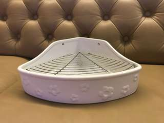 Heavy porcelain triangle toilet for rabbits/guinea pigs/chinchilla