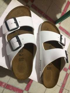 Birkenstock Arizona Sandals (white)