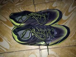 World Balance Running Rubber Shoes Size 8 Men