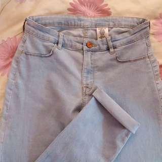 H&M light washed skinny denim jeans