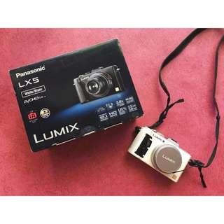 Panasonic Lumix LX5 (White)