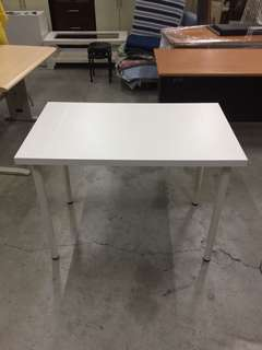 IKEA白色書桌 餐桌 洽談桌