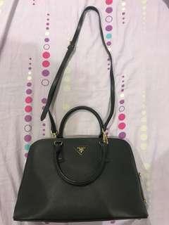 Prada bag (class A)