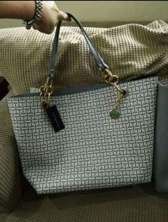 BNEW Tommy Hilfiger Reversible Tote