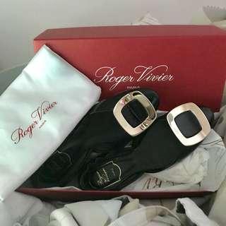 Roger Vivier Flats