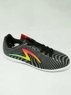Sepatu futsal specs equiferus