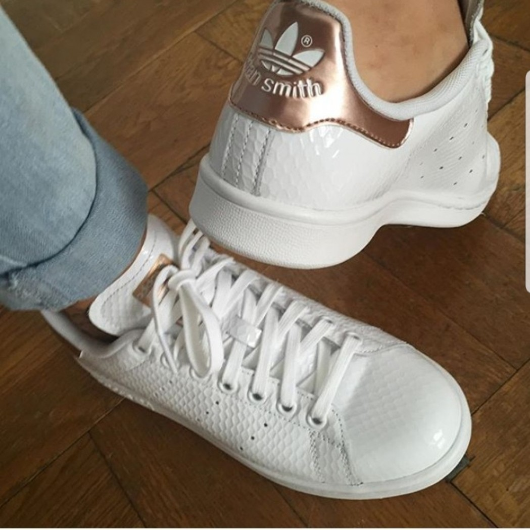 online retailer b099d 4ce6e Adidas Stan Smith Rose Gold, Women s Fashion, Shoes, Sneakers on Carousell