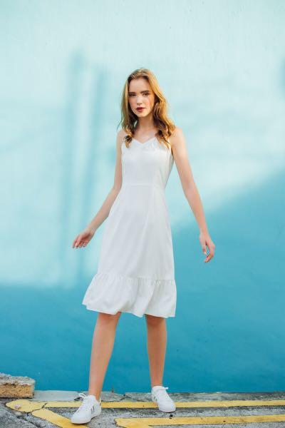 a105a189d BERLIN RUFFLED HEM DRESS IN WHITE, Women's Fashion, Clothes, Dresses ...