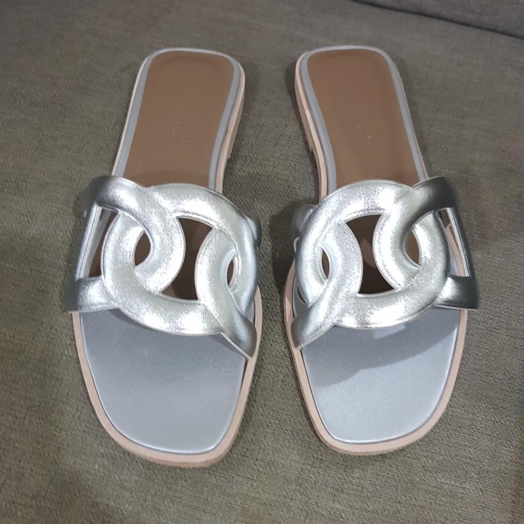 dd593af32006 Brand new hermes omaha silver sandals sizw 36.5