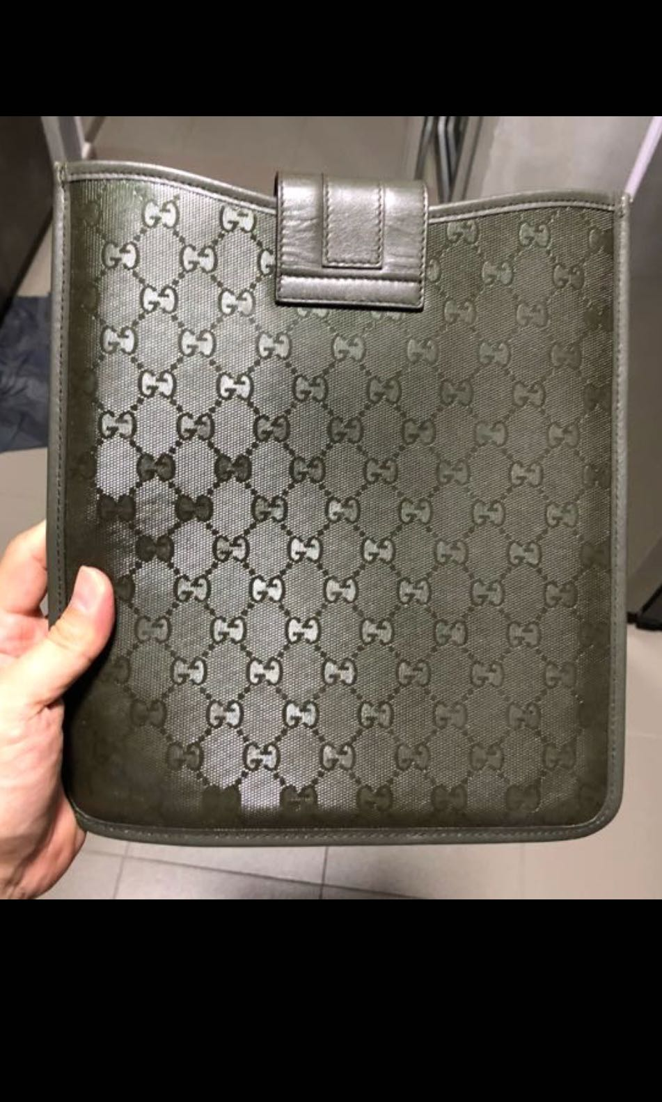 1b3ec2e46ca Gucci iPad 1 Sleeve Used With No Receipt   Apple Prada Lv Branded ...