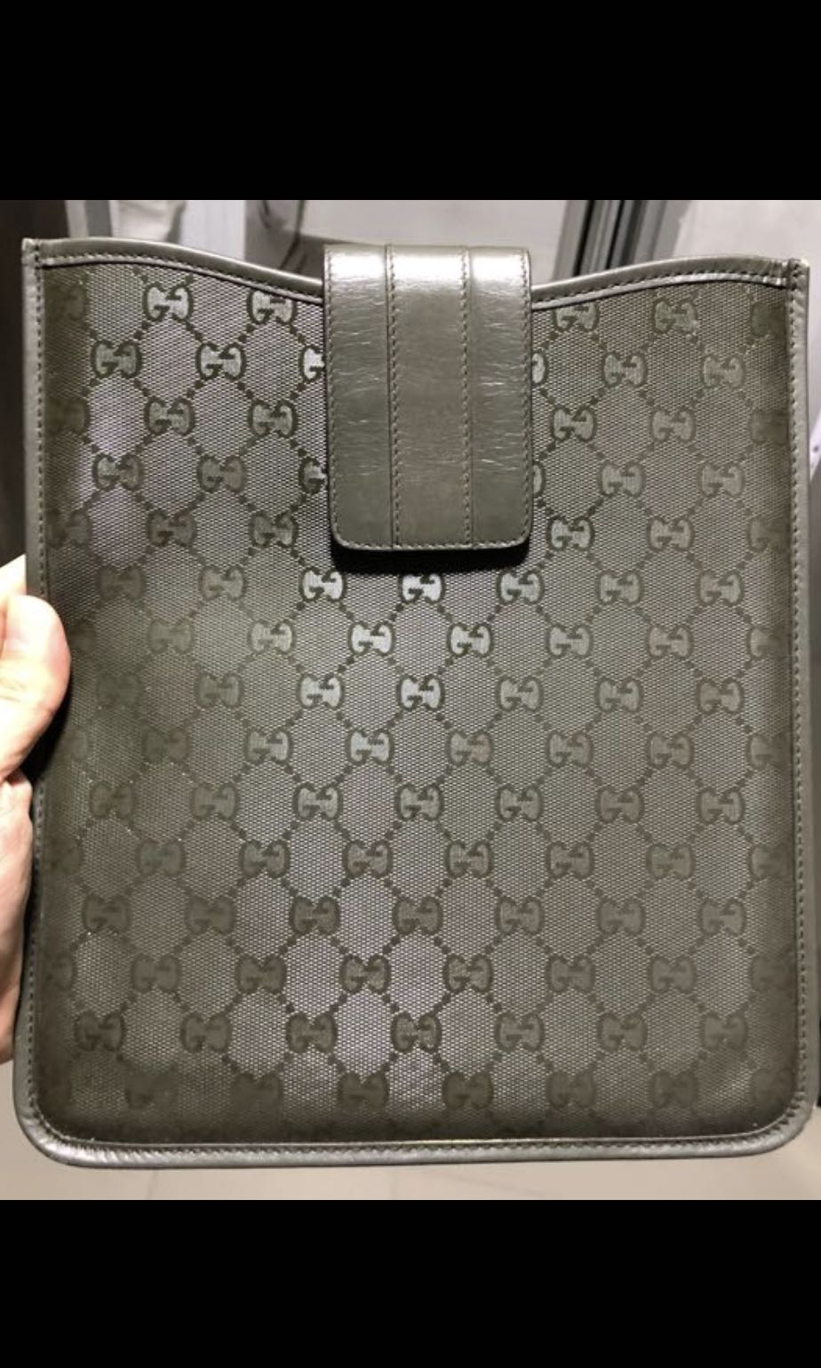 cf182a7f00b Gucci iPad 1 Sleeve Used With No Receipt   Apple Prada Lv Branded Lap Top