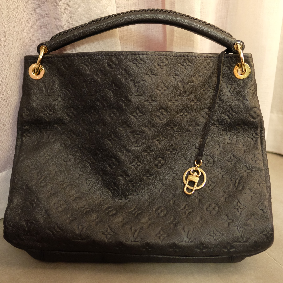 9602be18e055 LOUIS VUITTON Artsy GM Bag (Empreinte Artsy Infini)